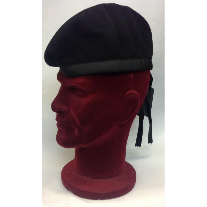 Cappelli da escursionismo da uomo. Baschi e berretti da uomo. Berretto  ranger con taschino. Alcuni reparti usano il basco spagnolo altri il basco  canadese. ee6d3d309a73